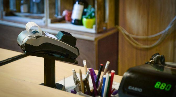 zahlung terminal karte geschäft kredit zahlen
